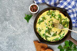 Tortilla de patatas y espárragos trigueros