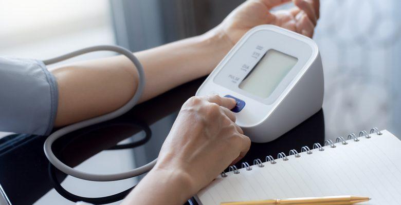 Estos son los síntomas de presión arterial alta que todos deberíamos conocer